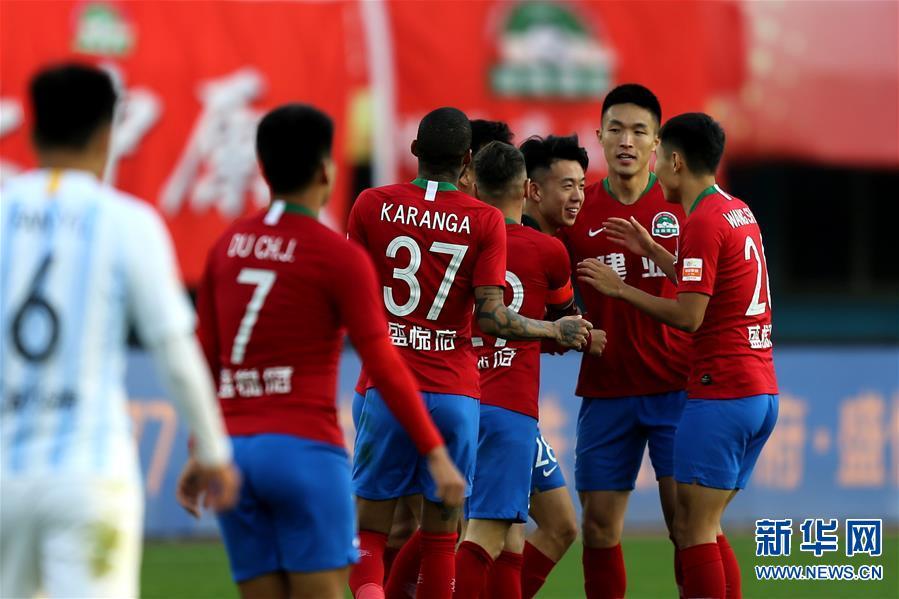 (体育)(1)足球——中超:河南建业胜广州富力