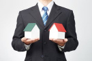 房产中介店员伪造交易 骗取买家80余万放贷挥霍