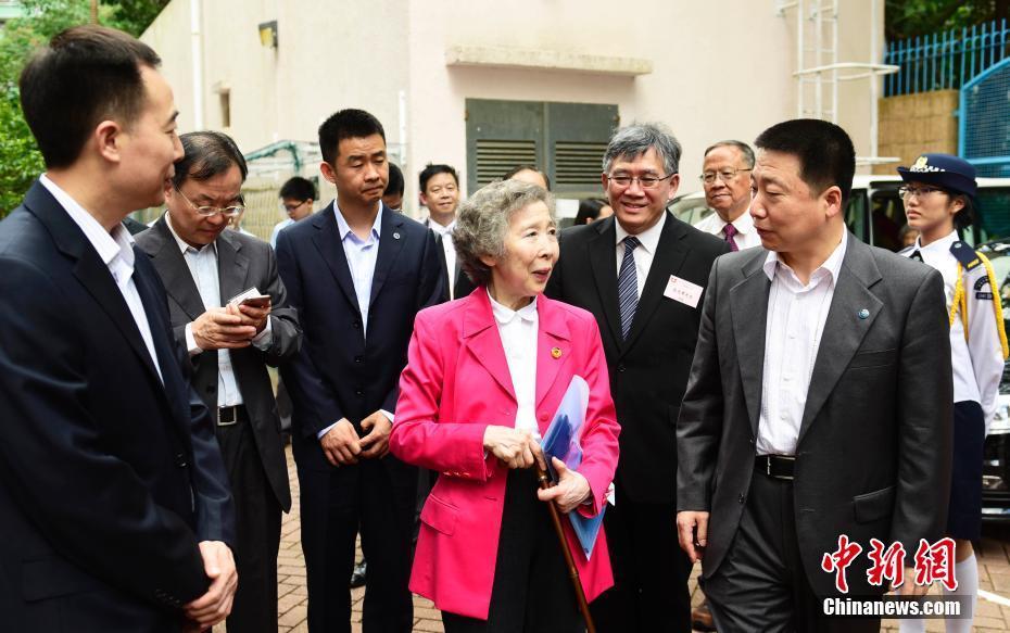 航天员杨利伟、景海鹏、陈冬莅临香港中学