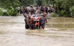 印度等三国洪灾令至少245人丧生 民众无家可归