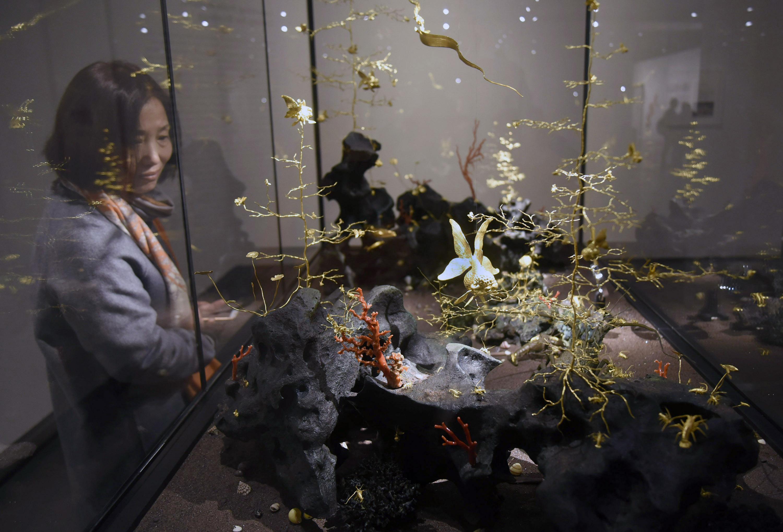 吴卿金雕木刻精品展在杭州开幕