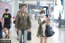谢楠机场偶遇刘威 二人撞衫懵圈大笑