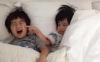 林志颖双胞胎儿子认字母 小家伙奶声奶气好萌