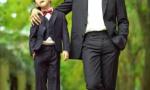 田亮晒与儿子写真照 感慨:田家男人的地位还不清楚?