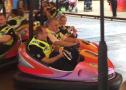警察玩碰碰车惹争议