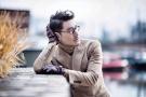 胡兵伦敦时装周街拍显中国绅士风