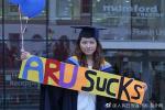 香港学生告英国母校索赔50万:文凭鸡肋 找不到工作