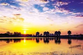 气温渐升高 来龙湖和龙子湖感受一湖的清凉