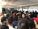 天津落户疯狂24小时:凌晨1点仍有人排队等办理