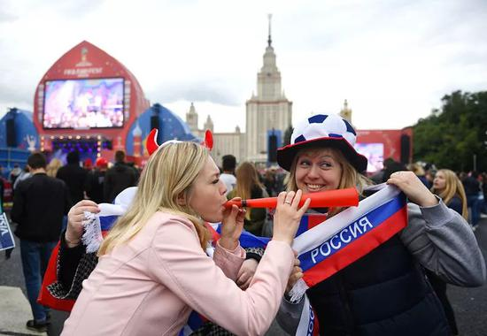 俄罗斯世界杯来了!不光能看比赛 还可以买买买