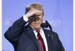 美国突然使出连环损招,释放了三个意味深长的信号!