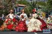 实拍葡萄牙鲜花节的花车巡游