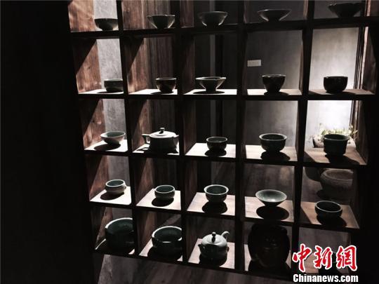 龙泉青瓷艺人工作室 李佳赟 摄