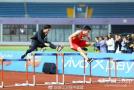 退役后首次重回110米跨栏跑道 刘翔跑完全程全场热泪盈眶!