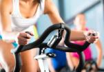 女生高考后骑动感单车一小时减肥 致肌肉溶解
