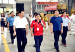 岳阳市人大常委会党组书记、常务副主任向伟雄调研东方雨虹岳阳生产基地