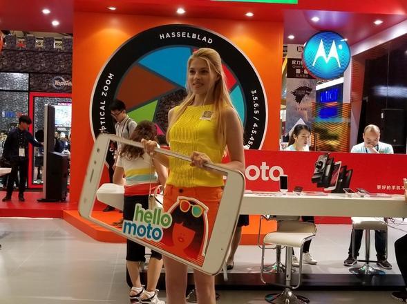 世界移动大会上海驻场的那些Show Girl们