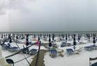 意大利海滩现雪景