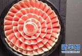 """海底捞供应链调查:一锅红汤""""养活""""10多家关联公司"""