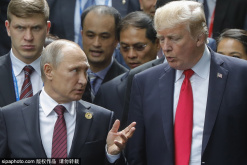 Trump weighs meeting with Putin