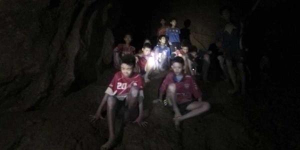 七国千人大救援!泰国被困足球队这18天经历了什么?