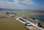 上海吴淞口沉船事件:已打捞出水1块舱盖板,暂未发现失踪人员