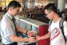 杭州萧山国际机场推出无纸化通关 实现扫码乘机