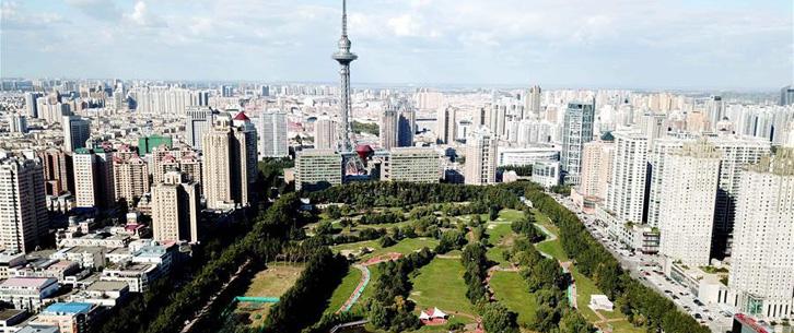 """哈尔滨:高尔夫球场""""变身""""开放公园"""