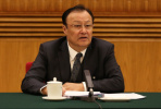 新疆维吾尔自治区主席就新疆反恐维稳情况等答问