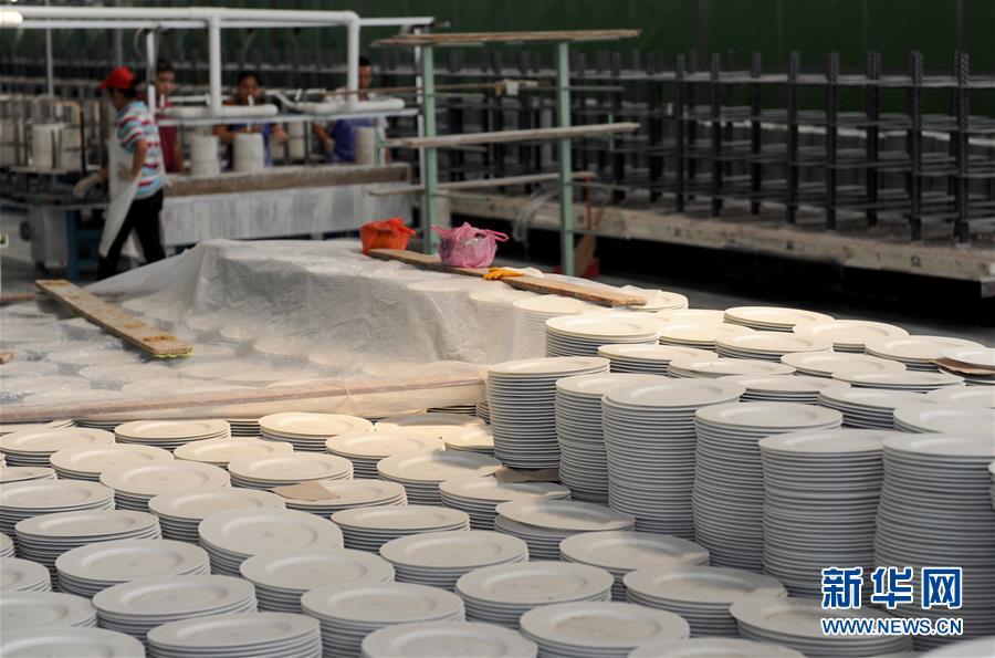 """广西北流打造特色陶瓷小镇 探索""""三生融合""""的富民新路"""